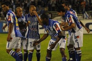 Diario La Noticia - Godoy Cruz tumbó a Banfield y sigue al acecho